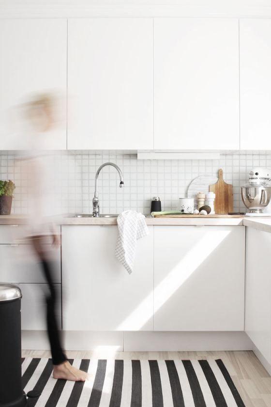 Superkitina Home sweet home cocina blanca, azulejo blanco Our