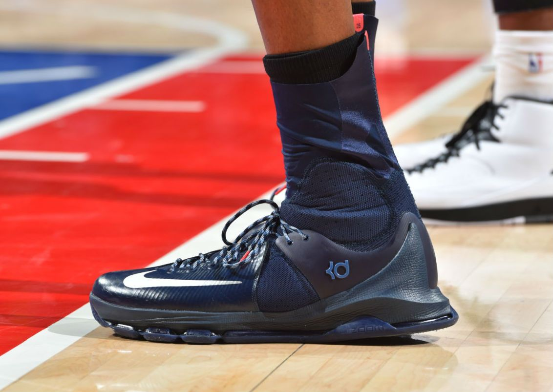 A Closer Look at Kevin Durant's Navy Nike KD 8 Elite