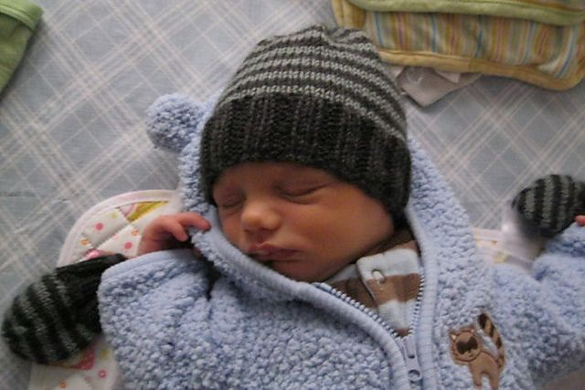 Ravelry Welcome To The World Newborn Hat Pattern By Nona Crochet