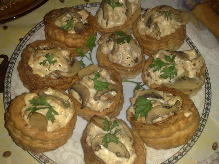Pour passer un bon Entrées, nous vous proposons une recette de Vol au vent . recette de cuisine, facile et rapide, par Les gourmands mediterraneens