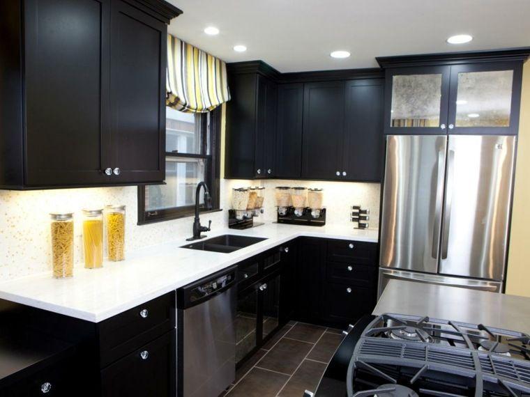 cocina-moderna-negra-pequena-encimeras-blancas.jpeg (760×570 ...