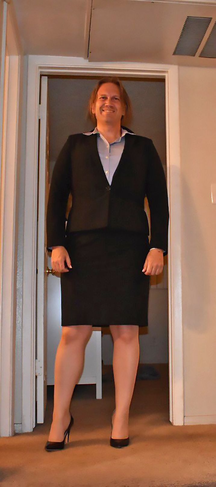 A Classy Feminine Skirtsuit Outfit, Works Perfect On Most -1306