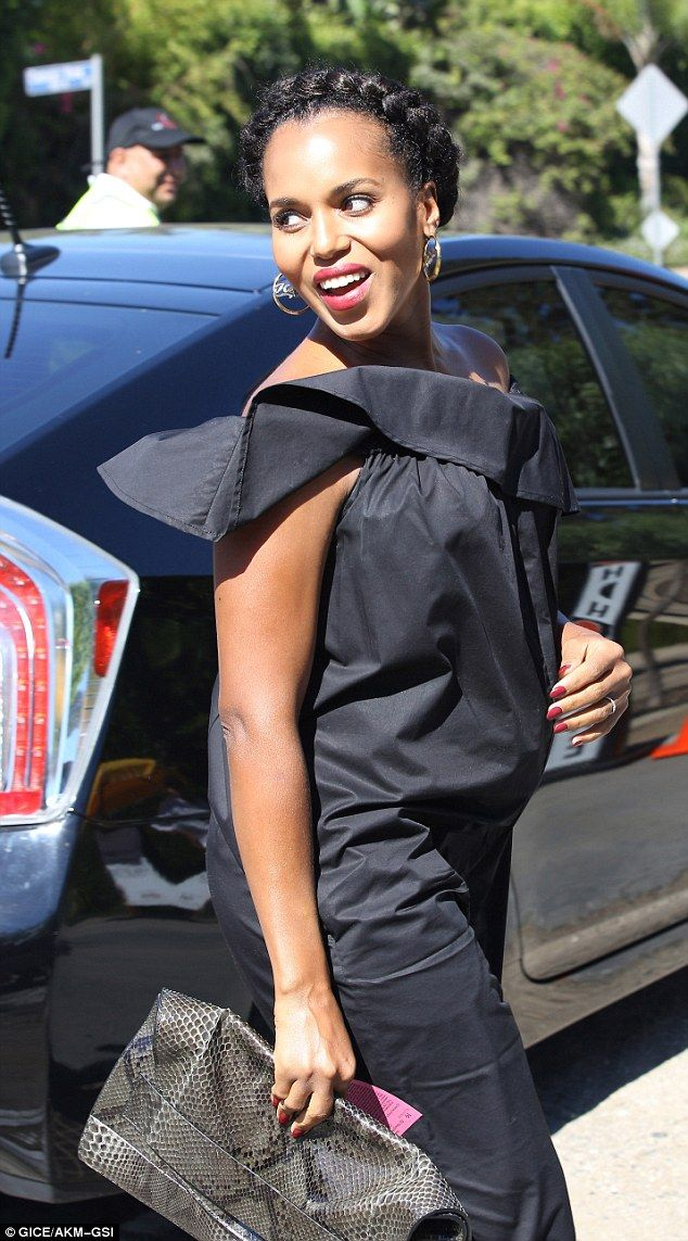 Pregnant Kerry Washington beams in jumpsuit at LA event Kerry