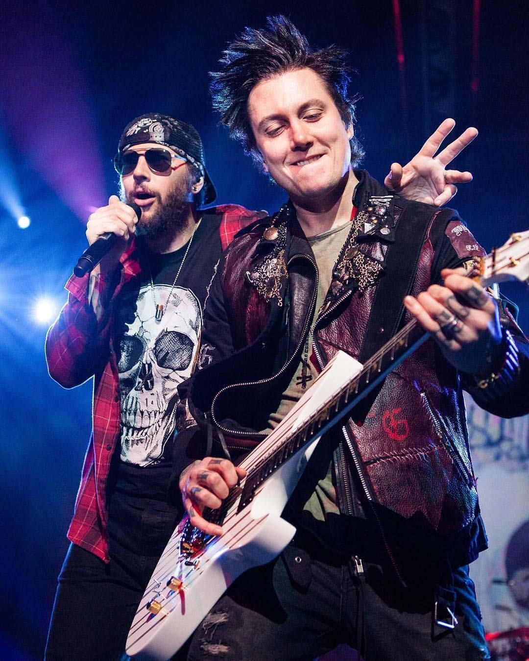 M shadows and synyster gates a7x in 2019 avenged - Matt shadows wallpaper ...