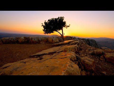 Egli vive – Festeggia la Pasqua perché Gesù Cristo vive - YouTube