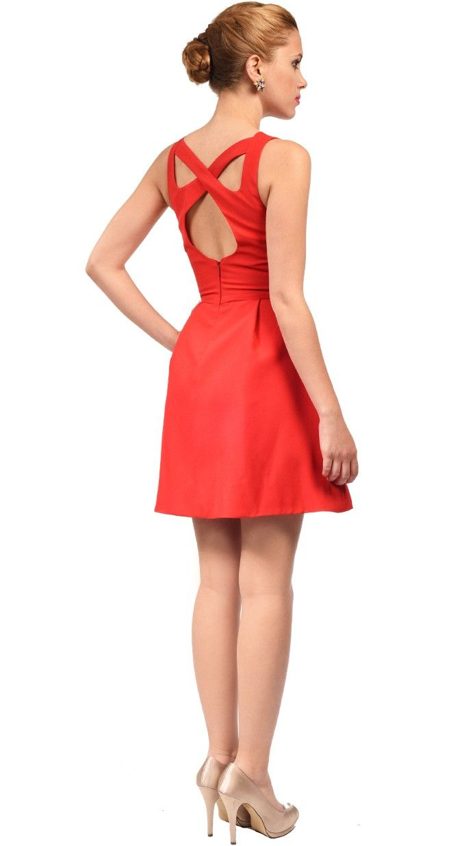 DRESSEOS - Vestido mini en rojo con espalda cruzada. Estiliza que es ...
