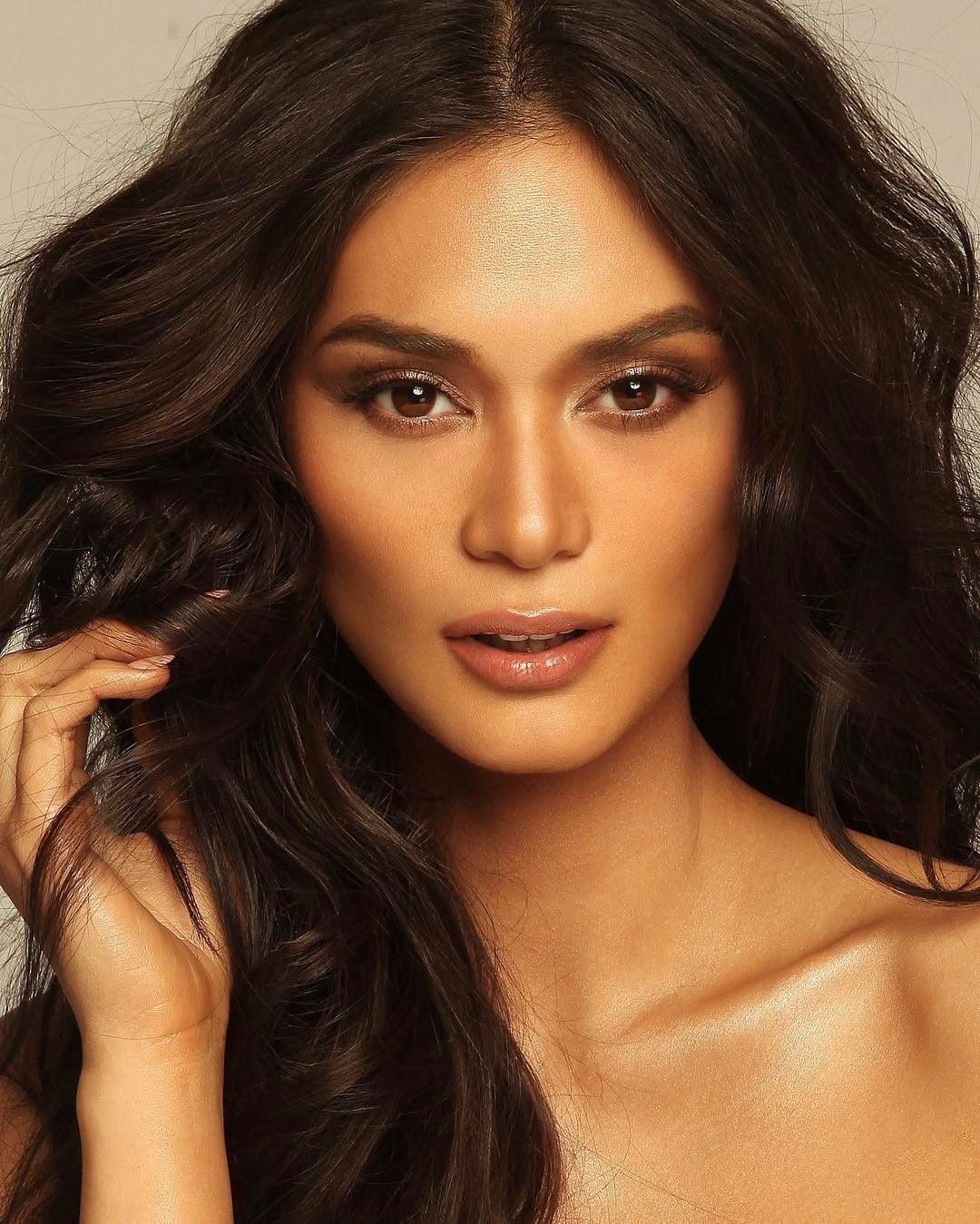 15feef7ab6 See Instagram photos and videos from Pia Wurtzbach
