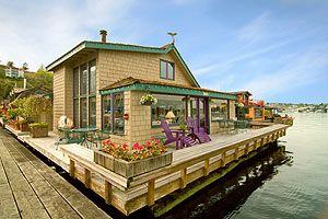Explore Sleepless In Seattle, Houseboat Living, And More!