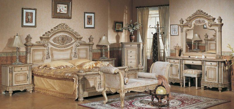 gold antique furniture - Google Search | ELEGANT BEDROOM ...