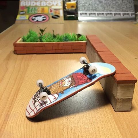 Diy Fingerboard Ledge Via Greasy Fingerboards Mini Materials Skateboard Ramps Finger Skateboard Mini Skateboard