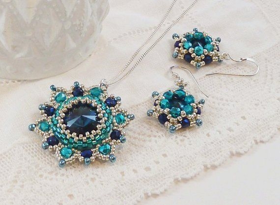 Turquoise Flower Necklace and Earrings Set. Dark Bue Swarovski Crystals. Turquoise Beads. Bridesmaid Jewellery Set. Special Occasion Jewelry