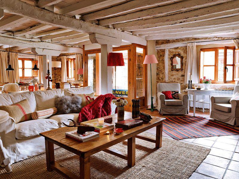 Una casa de campo de piedra y madera casa de campo de for Casas de piedra y madera