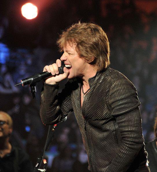 Jon Bon Jovi Photos - Bon Jovi Performs At The MGM Grand - Zimbio