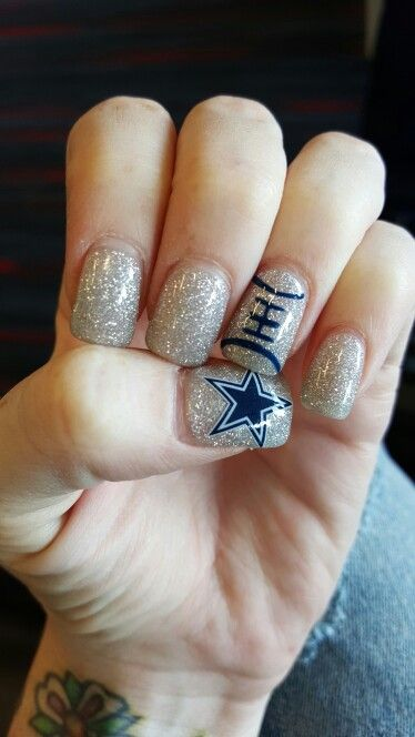 Dallas cowboys nfl nails navy blue silver glitter features a dallas cowboys nfl nails navy blue silver glitter features a decal and hand prinsesfo Image collections