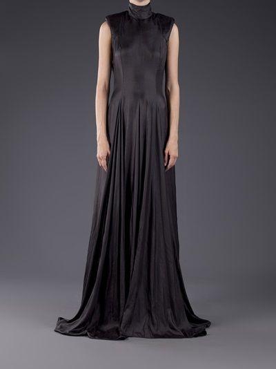 Gareth Pugh - pleated high collar gown 7
