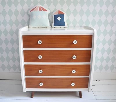 retro #commode #kids | feestrijk | commode / retro / brocante, Deco ideeën