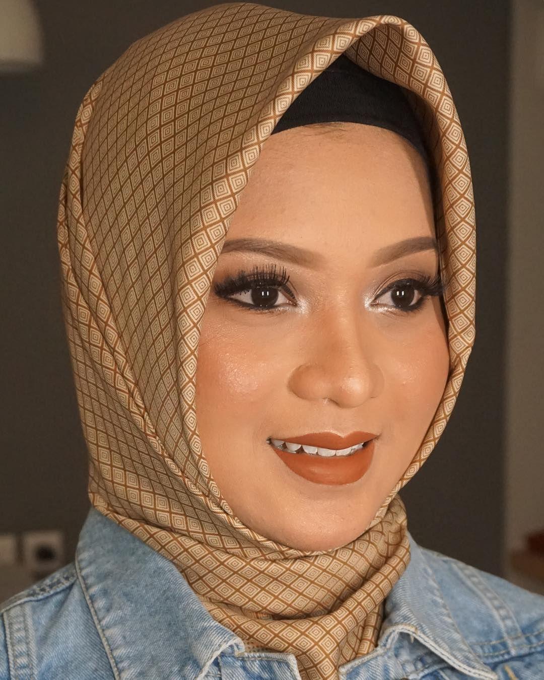 Soft Natural Makeup Jasa Make Up Wisuda Semarang Mua Semarang Makeup Artist