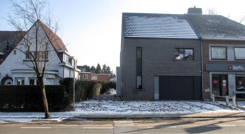 Nieuwbouw van een driegevelwoning te sint genesius rode for Architecten moderne stijl