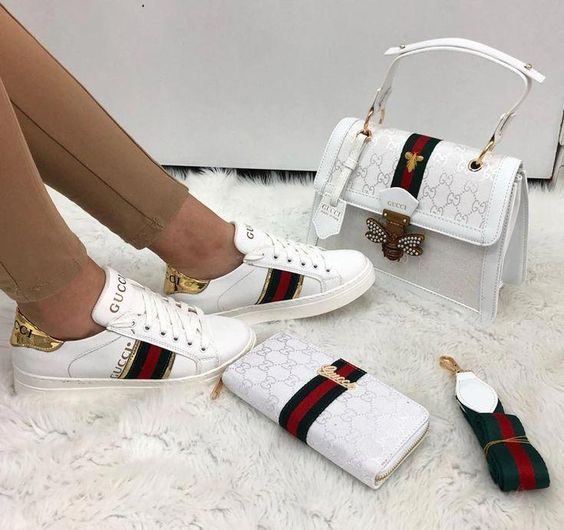 Buy original Gucci Ace aus Leder sneakers