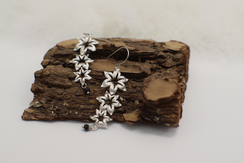 White dangle earring, flower dangle earring with dark purple Agate by jeejeejewelry on Etsy https://www.etsy.com/listing/272496490/white-dangle-earring-flower-dangle