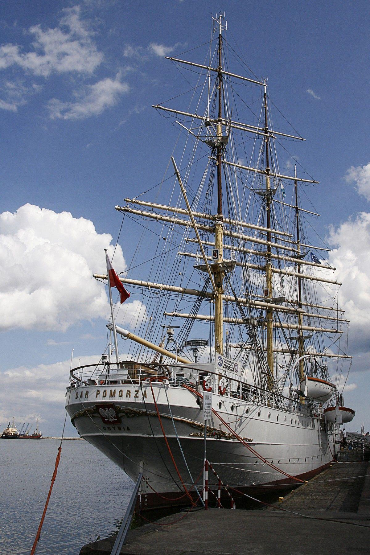 صورة عالية الدقة خالية من السفن القديمة التاريخية البحرية بولندا السفينة الطويلة السيارة الإبحار Sailing Ships Boat Sailing