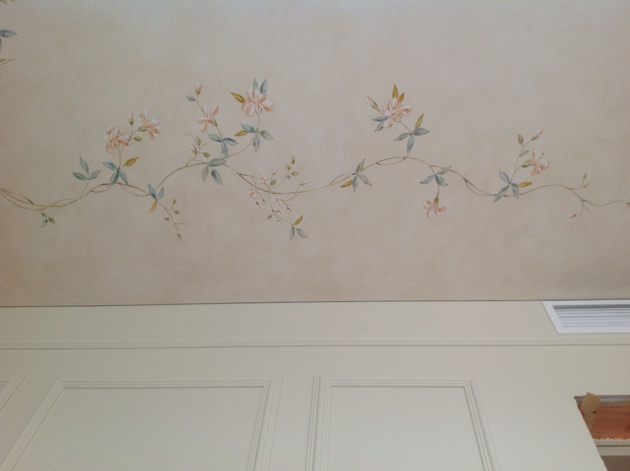 Ceiling list in a bedroom