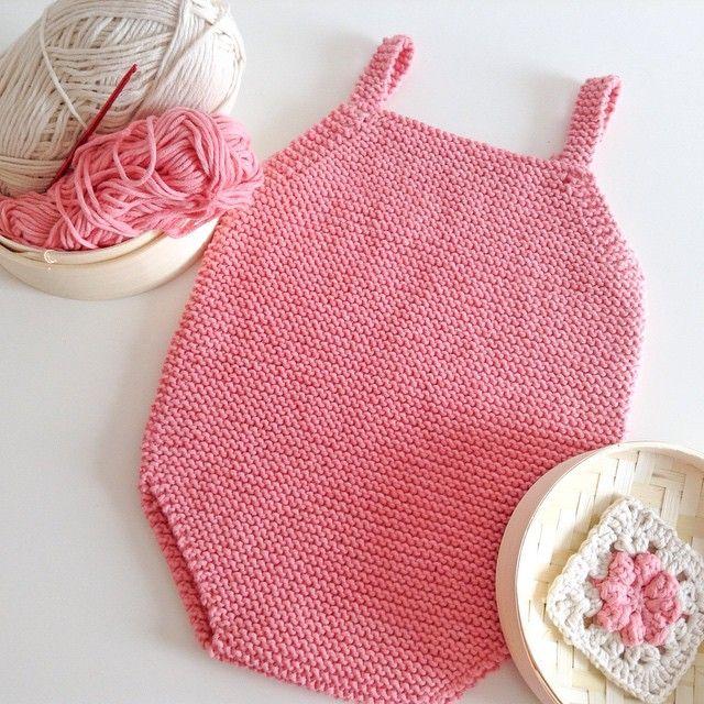 Let's put some color to this day! #Crochet & #knit perfect combination for a baby present! La combinación perfecta #ganchillo y #punto para dar Un poquito de color a este día gris en #Valencia
