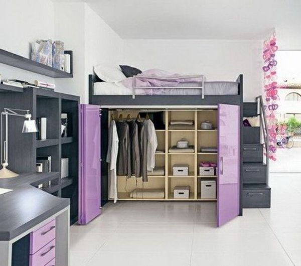 hochbett kleiderschrank darunter lila t ren graue regalwand kinderzimmer levi pinterest. Black Bedroom Furniture Sets. Home Design Ideas