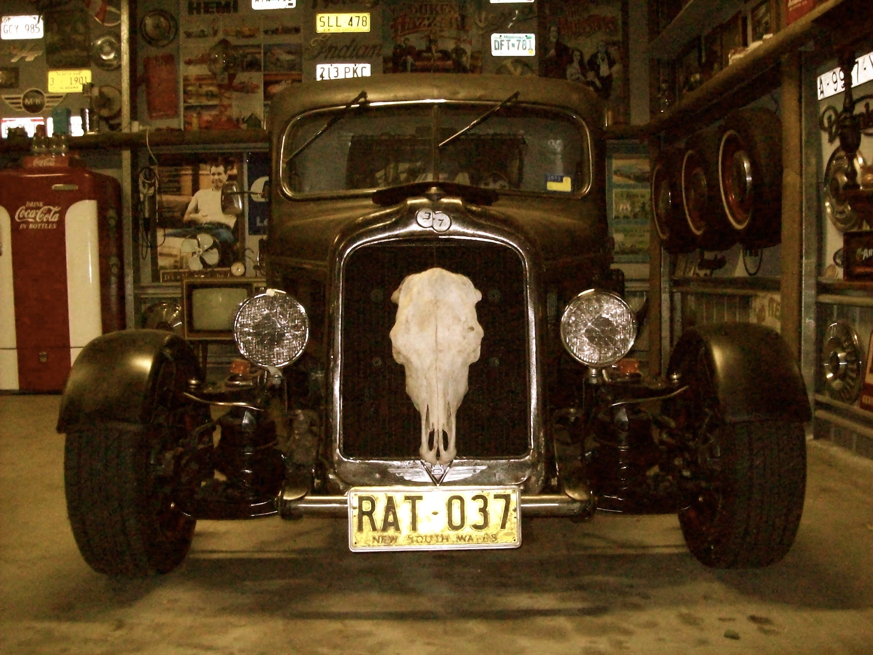man cave, shed, hot rod, rat rod, muscle car garage | man cave