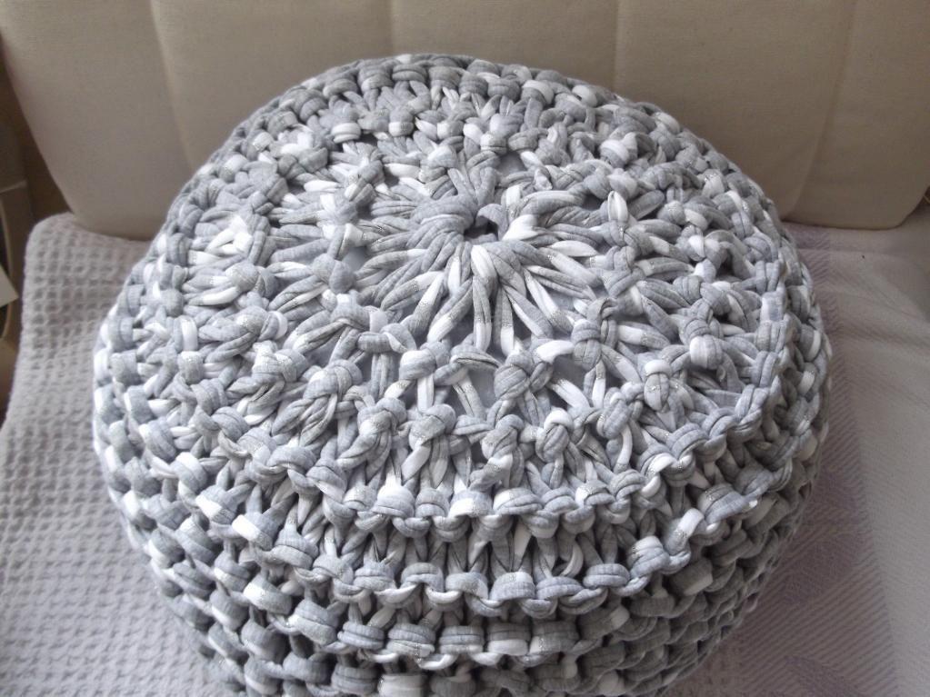 T Shirt Yarn Pouf Floor Cushion Yarns Patterns And Craft Best T Shirt Yarn Pouf