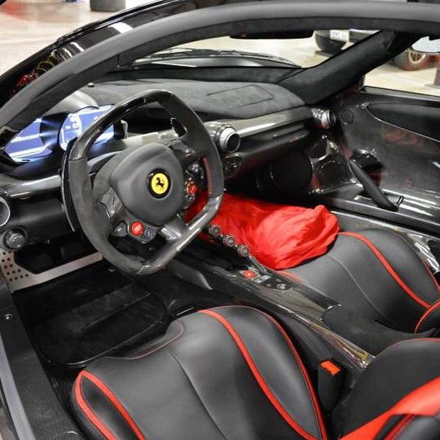 Ferrari Models History Photo Galleries Specs Autoevolution >> World S First Matte Black Ferrari Laferrari Is Superhero Madness