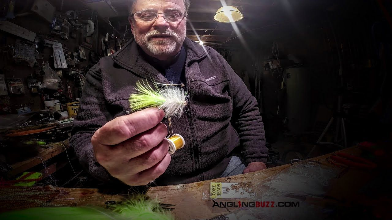Mickey Johnson demonstrates a quick and easy way to tie streamer