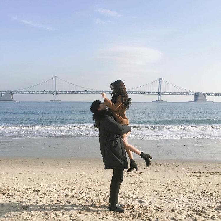 ✔ Couple Beach Aesthetic Korean #couplequotes #couplesphotography #couplescostume