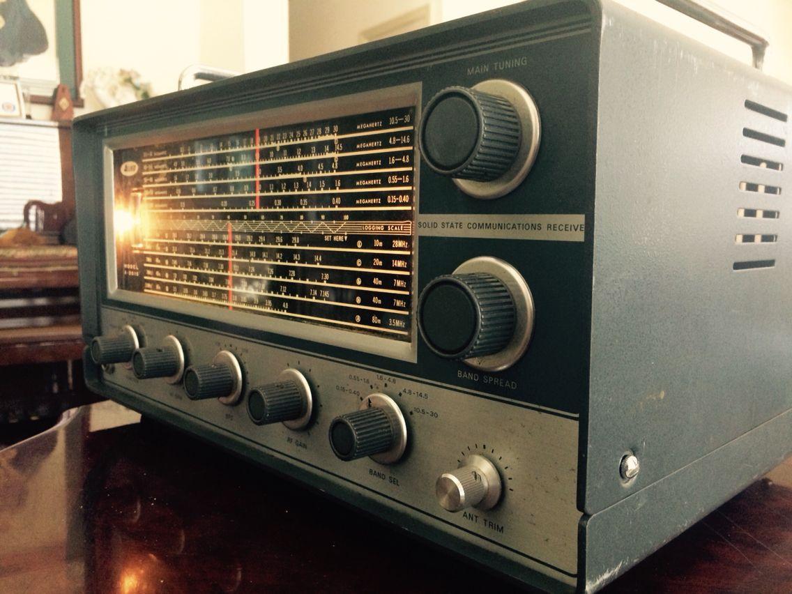 shortwave radio saturn Vintage