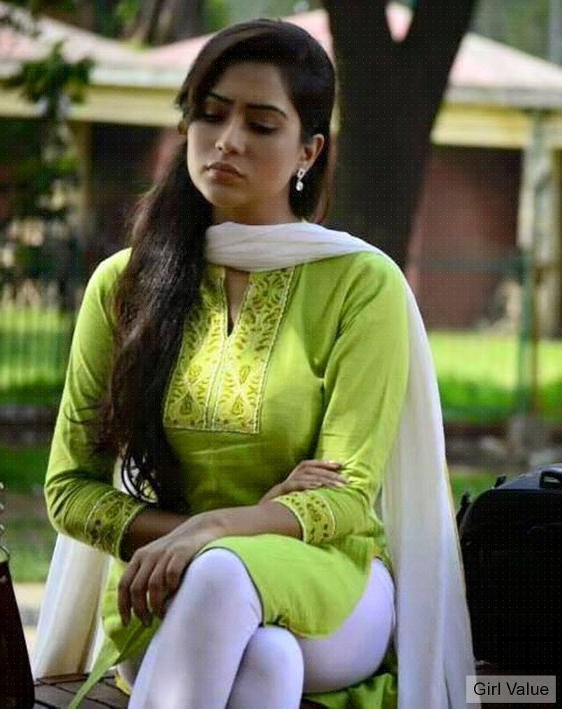 Bangladeshi Actress Zakia Bari in tight churidar