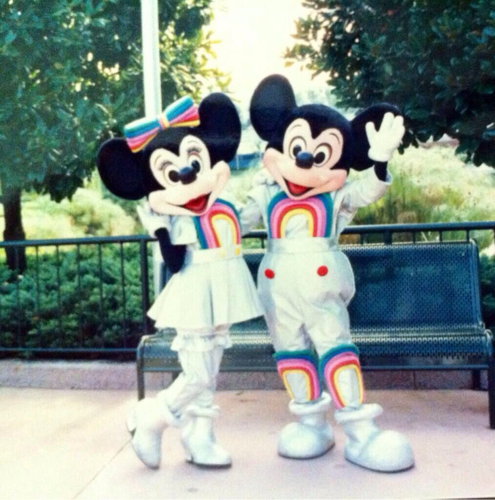 80 S Mickey Mouse And Minnie Mouse From Epcotcenter Epcot