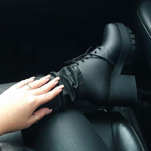 58d9c4e40b63b Veja nossos sapatos e a nova coleção Mashup. Encontre nossas lojas e compre  online. Conheça o mundo Melissa.