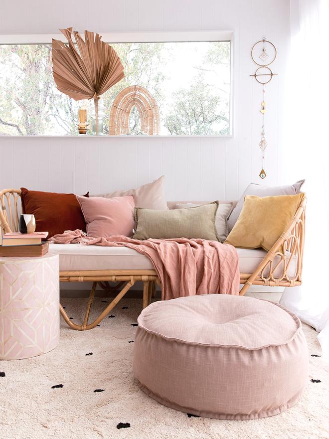 La Importancia De Los Textiles Beige Living Rooms Pink Living