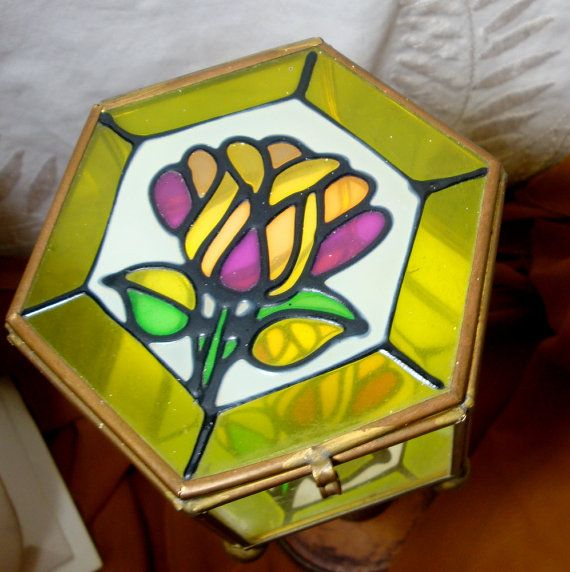 ba62f578d812 Stained glass hinged box