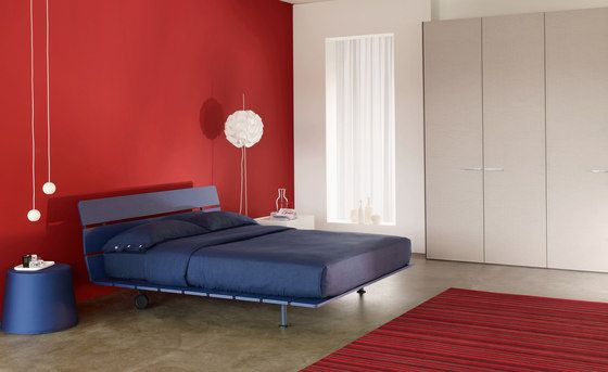 """Letto matrimoniale / Double Bed """"Tadao"""" by Flou - Vico Magistretti ..."""