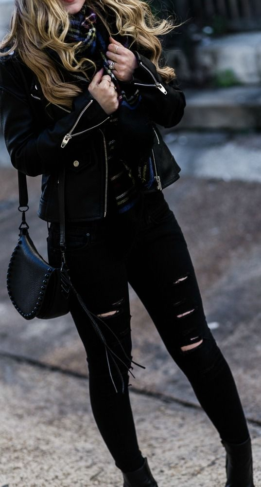 All Black Winter Outfit | Upbeat Soles | Orlando F