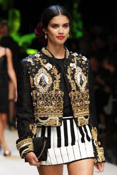 Dolce   Gabbana Spring Summer 2017 Ready To Wear Details  797bdb18e53