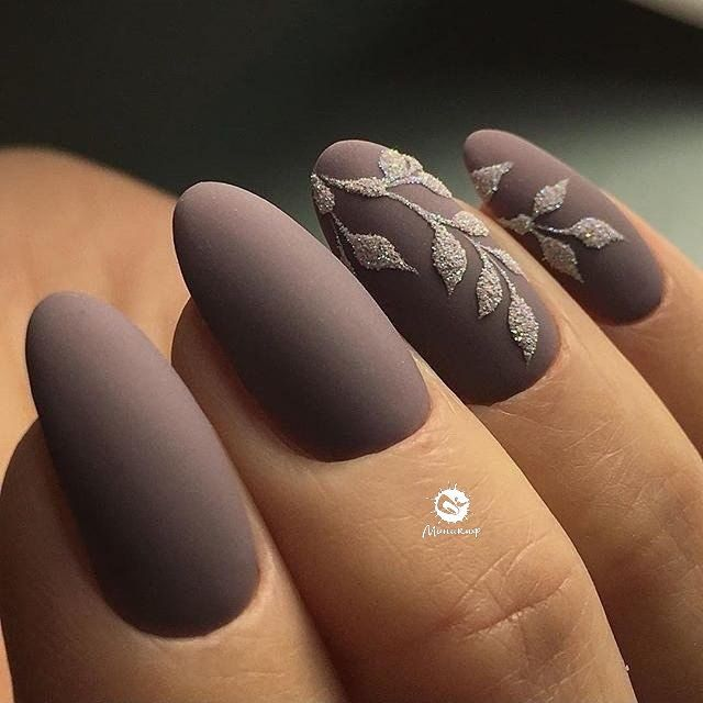 Like the concept of sugared glitter motif on matt nails http://hubz ...