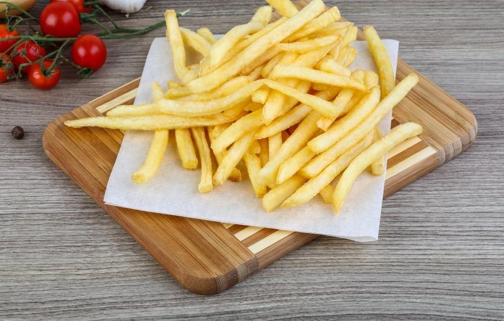 البطاطا المقلية من اكثر الاطعمة المسببة للسمنة فهل تعلمون ان 10 اصابع بطاطا مقلية تحتوي على ما يقارب ال 100 سعرة حرارية Fr Food And Drink Food Vegetables