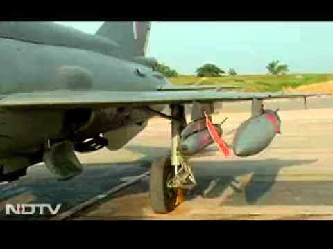 Indian Mig-21 in action - YouTube