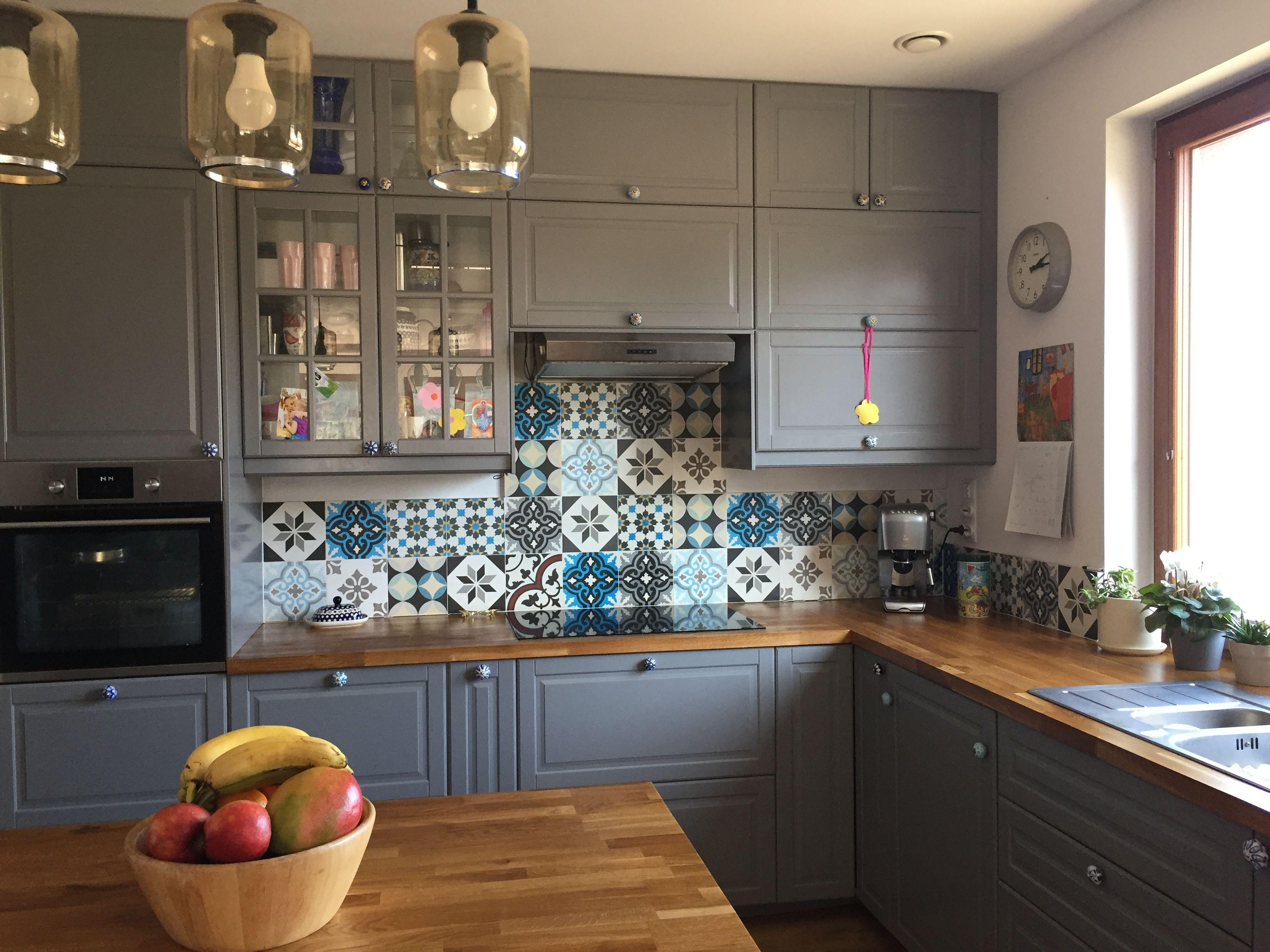 Patchwork Cementowy Nad Blatem W Kuchni Homedecor Plytki Patchworki Plytkicementowe Kuchnia Kitchen Wall Decor Kitchen Interior Interior Design Kitchen