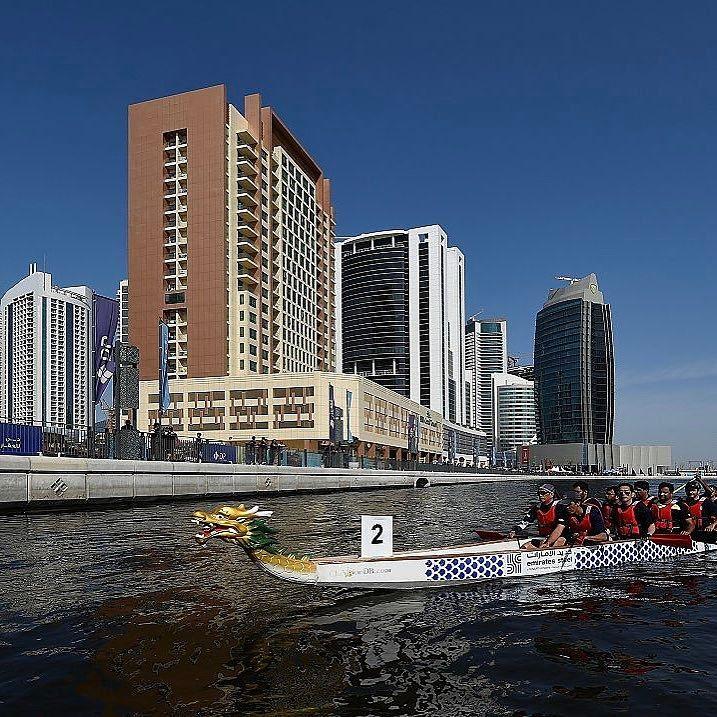 إحدى القوارب المشاركة في سباق قوارب التنين الذي يقام في دبي وتستضيف قناة دبي المائية في الـ27 و الـ28 من الشهر الجاري Instagram San Francisco Skyline Skyline