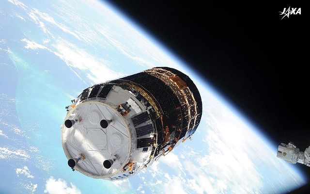 The KOUNOTORI3 (HTV3, the cargo transporter to the International Space Station)