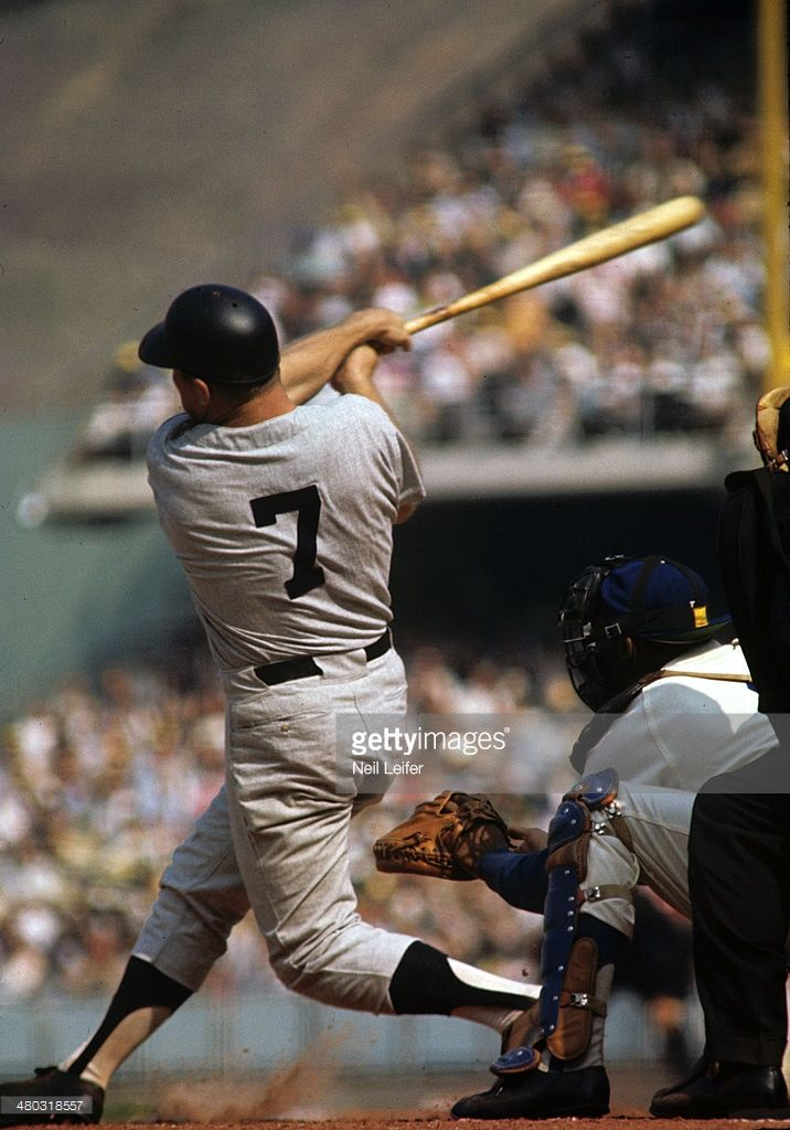New York Yankees Mickey Mantle In Action At Bat Vs Los Angeles Baseball World Series Mickey Mantle New York Yankees