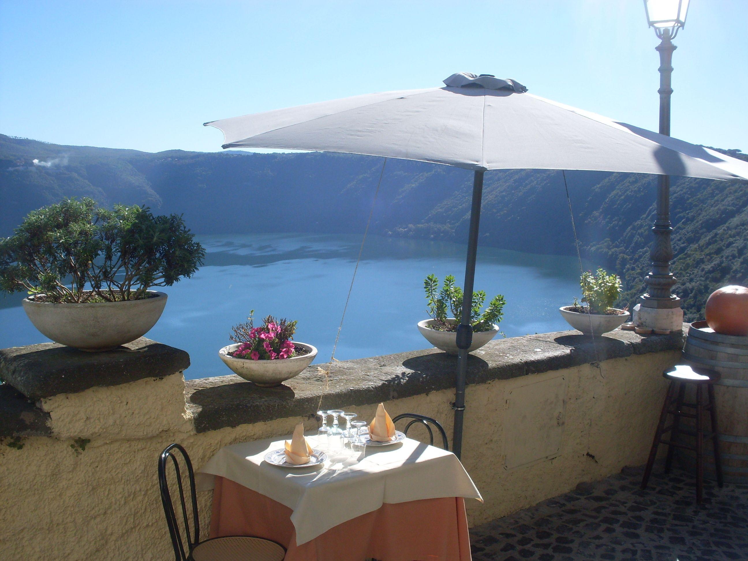 A Restaurant in Castel Gandolfo
